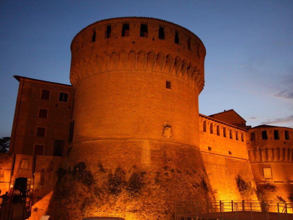 Vino & arte, accoppiata vincente alla Rocca di Dozza